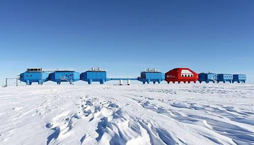 Tenda bagi para peneliti di Antartika saat musim panas tahun 2015 lalu