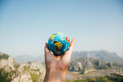 Membagi Bumi Menjadi Dua Bagian