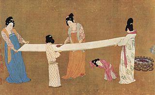 Lukisan yang menggambarkan para wanita yang sedang mengerjakan helaian sutra