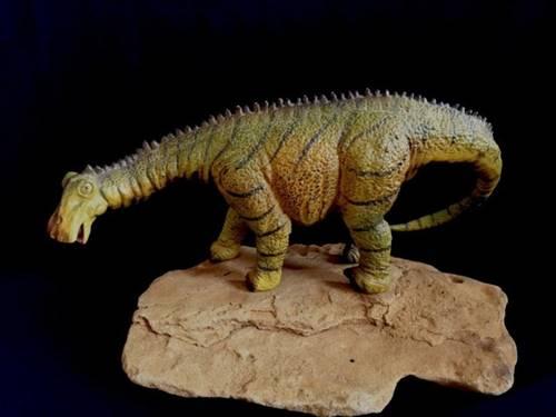 Nigersaurus dengan paruh mirip bebek