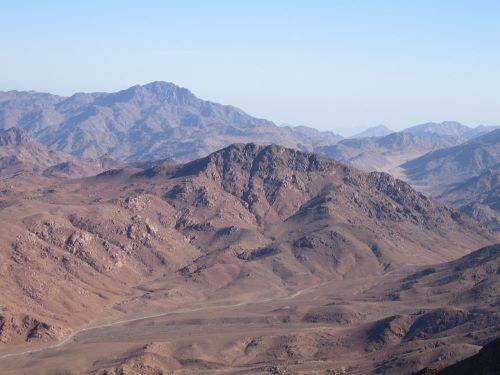 Barisan Pegunungan - Lautan Bertukar Tempat Dengan Daratan