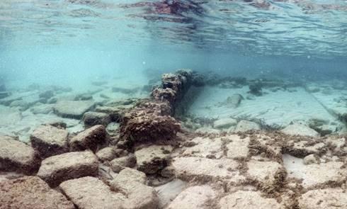 Sisa kota bawah air Olous