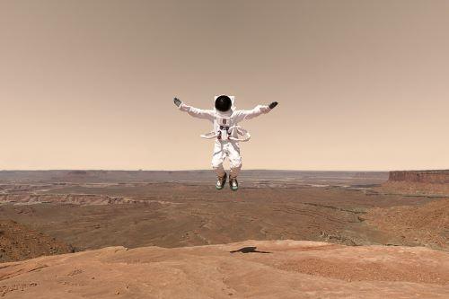 Berjalan dan Melompat - Ketika Hidup di Mars