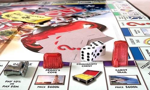 Ayo main monopoli dengan dadu berlian dan rumah dari emas
