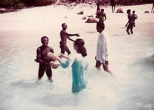 Pemberian Kelapa, Suku Sentinel Suku Sensitif