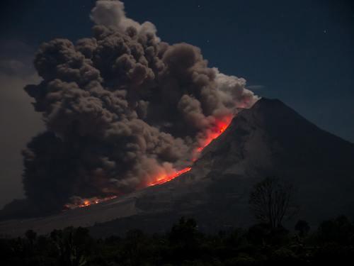 Apa yang Terjadi Jika 129 Gunung Api di Indonesia Meletus Secara Bersamaan?