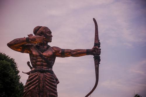 Suku Pemanah, Suku Sentinel Suku Sensitif
