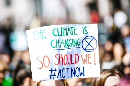 Demo Perubahan Iklim, Bulan Desember Banyak Bencana