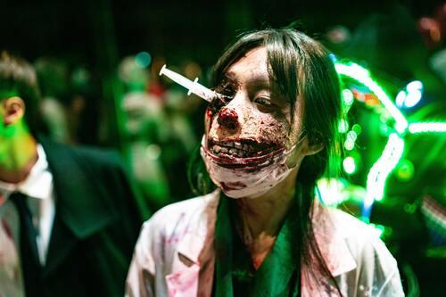 Zombie, Kehidupan Bumi Menjadi Zombie