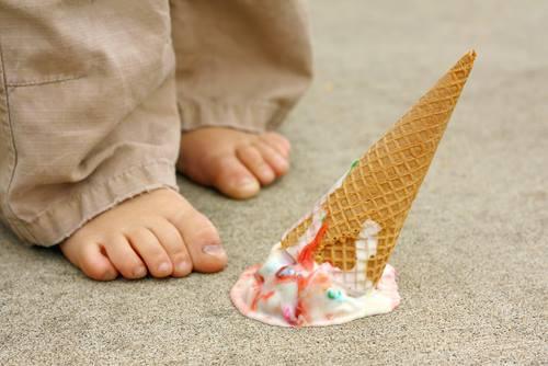 Tradisi Tahun Baru, Menjatuhkan Ice Cream
