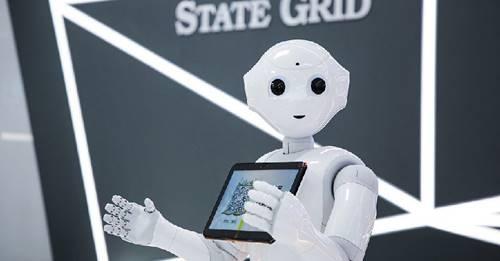 Robot sejenis ini melintasi jalan raya dan ditilang polisi di Cina